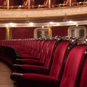 Elmaradnak a koncertek, színházi előadások – Kihirdették az egészségügyi veszélyhelyzetet